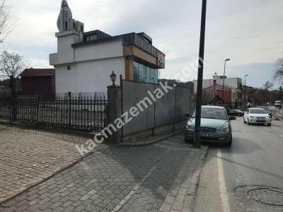 Kısıklı Cadde Üzerinde Hanım Seti Otobüs Durağında Arsa 1