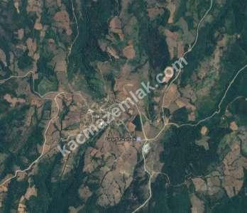 Biga Dikmen Köyünde Satılık 14.700 M2 Tarla