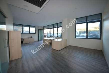Merkezi Konumda Ofisın Maltepe'de Kiralık Ofis 4
