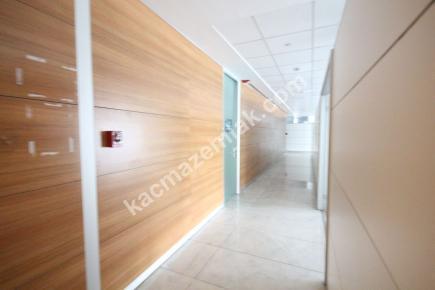 Kdv Avantajlı Şişli Plazada 2. Katta 600 M² Kiralı 11