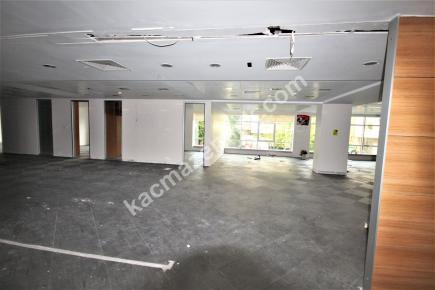 Şişli Plaza'da Kiralık 1.200 M² Plaza Katı, Ofis 11