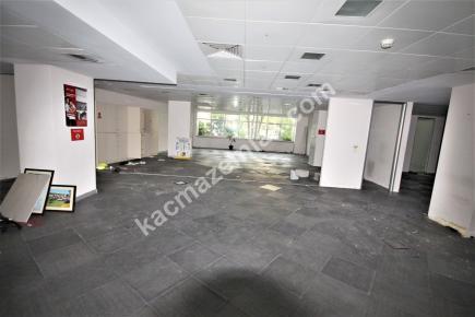 Şişli Plaza'da Kiralık 1.200 M² Plaza Katı, Ofis 24
