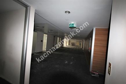 Şişli Plaza'da Kiralık 1.200 M² Plaza Katı, Ofis 25