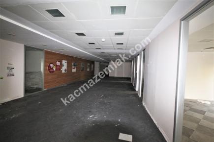 Şişli Plaza'da Kiralık 1.200 M² Plaza Katı, Ofis 22