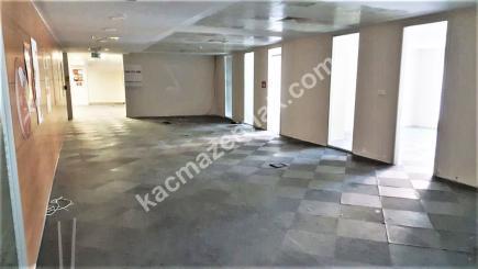 Şişli Plaza'da Kiralık 1.200 M² Plaza Katı, Ofis 34