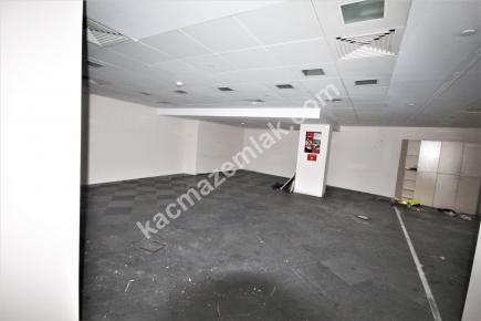 Şişli Plaza'da Kiralık 1.200 M² Plaza Katı, Ofis 23