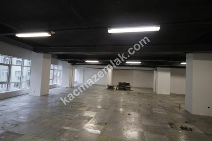 Şişli Plaza'da Kiralık 1.200 M² Plaza Katı, Ofis 15