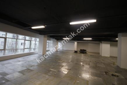 Şişli Plaza'da Kiralık 1.200 M² Plaza Katı, Ofis 18