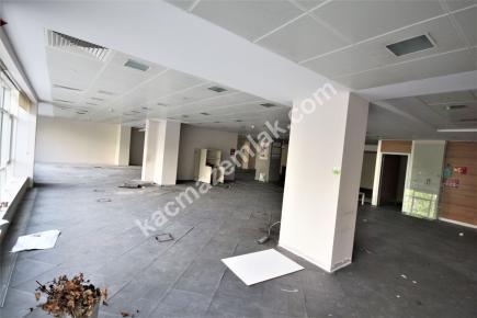 Şişli Plaza'da Kiralık 1.200 M² Plaza Katı, Ofis 21