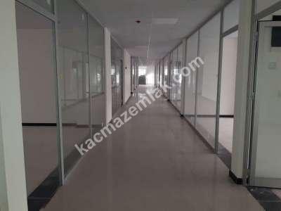 Çarşı Merkezde Sıfır Kiralık Ofis Büro İş Yeri 3