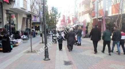 Bağcılar Yenigün Yürüyüş Yolunda 120 M2 Kiralık Dükkan
