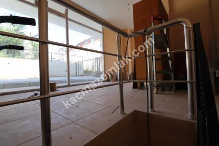 Çekmeköy Ekşioğlu Mah. Kiralık Dükkan 28