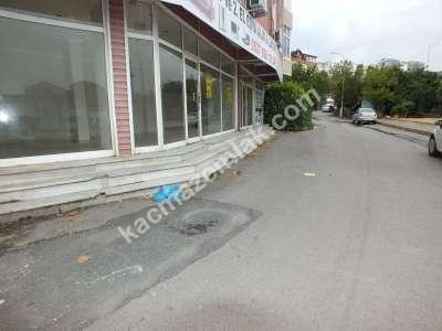 Kaçmaz Emlaktan Balıkesir Caddesinde Kiralık Dükkan 2
