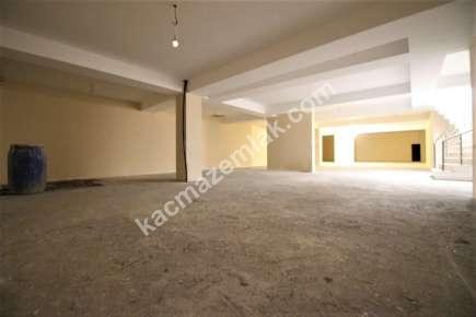 İdealtepede Minibüs Cad 3.Bina Kiralık 1.020 M² Dükkan 17