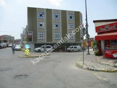 Sultanbeyli Kiralık 450 M2 Ana Cadde Üzeri Markete 19