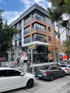 Acıbadem Caddesinde, Yeni Binada, Kiralık Dükkan 16