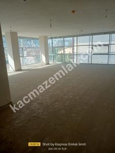 İzmit Yenişehir Mh.kiralık Dükkan Ve İşyerleri 24