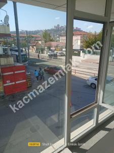 İzmit Yenişehir Mh.kiralık Dükkan Ve İşyerleri 36