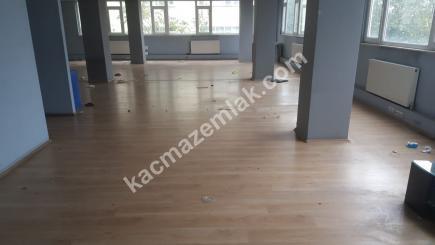 Seyrantepe' De Ofis Veya İmalata Uygun 1.Katta Kiralık 3