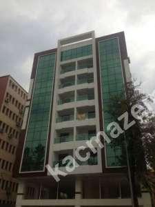 Diyarbakır'ın Kalbinde Plaza İçerisinde Satılık Lüks B 1