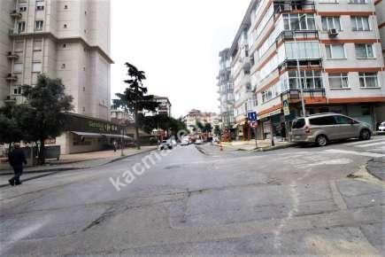 Bostancı' Da İşlek Cadde Üzerinde Satılık Dükkan Mağaz 11