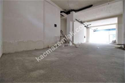 İdealtepe Minibüs Caddesine 3.Bina Satılık 520 M²Dükkan 4