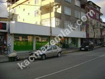 Sultanbeyli'de Kiracılı Satılık Dükkan. 2
