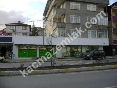 Sultanbeyli'de Kiracılı Satılık Dükkan. 3
