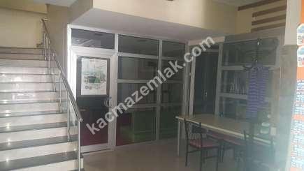 Trabzon Çukurçayır Da Satılık 250M2 Kullanımlı Dükkan, 2