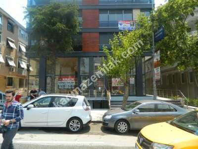 Üsküdar Acıbadem Caddesinde, Sıfır İskanlı Binada Dükka 17