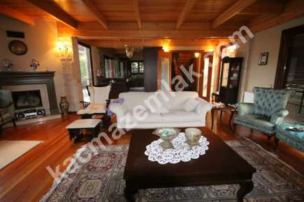 Sarıyer Kilyosta Havuzlu, Eşyalı 3 Katlı Müstakil Villa 8