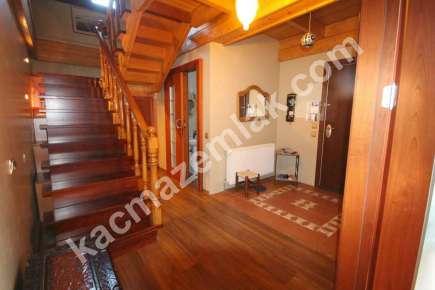 Sarıyer Kilyosta Havuzlu, Eşyalı 3 Katlı Müstakil Villa 14