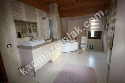 Sarıyer Kilyosta Havuzlu, Eşyalı 3 Katlı Müstakil Villa 10