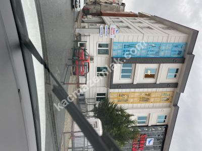 Fatih Emin Molla Sokakta, Ön Cephe, Satılık 2.5+1 Araka 28