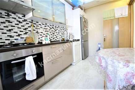Maltepe Yalı Mah. Sahilde Satılık E.banyolu Ferah Daire 16