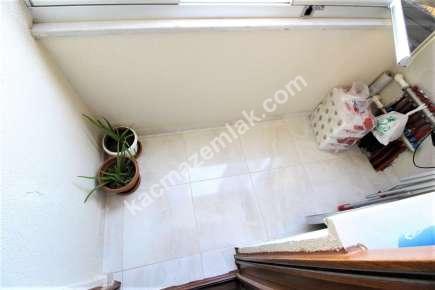 Maltepe Yalı Mah. Sahilde Satılık E.banyolu Ferah Daire 17