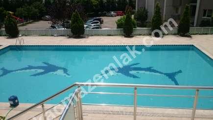 3+1,120 M2 Havuzlu Nezih Bir Sitede Satılık Daire 1
