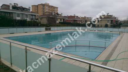 Pendik Yenişehir Nezih Havuzlu Aile Sitesi Deprem Sonra 1