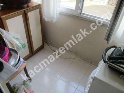 Pendik Yenişehir Nezih Havuzlu Aile Sitesi Deprem Sonra 8