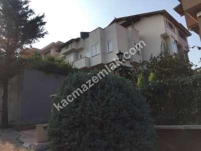Nilüfer Çamlıca Mah Satılık 5+2 Bahçeli Lüks Villa 23