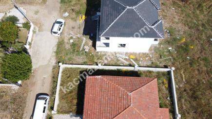Biga Çeşmealtı Denizatı Sitesinde Satılık Bahçeli Ev 27