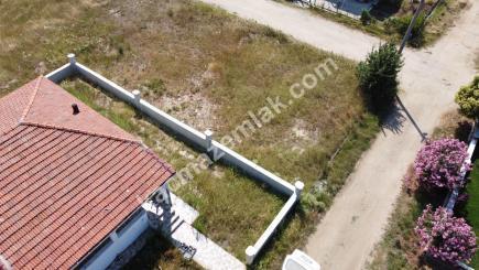 Biga Çeşmealtı Denizatı Sitesinde Satılık Bahçeli Ev 13