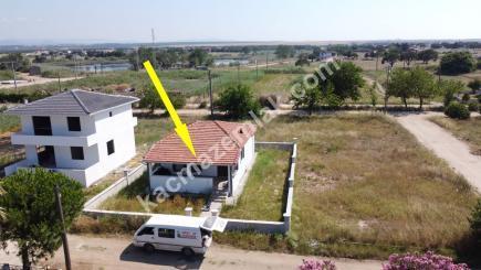 Biga Çeşmealtı Denizatı Sitesinde Satılık Bahçeli Ev 3