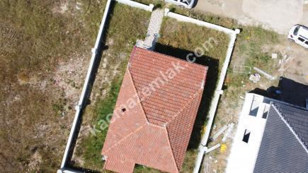 Biga Çeşmealtı Denizatı Sitesinde Satılık Bahçeli Ev 21