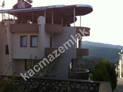 Mudanya Şükrü Çavuş Mah. Satılık Bahçeli Teraslı Villa 1